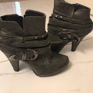 Grey dressy boots! Size 7.5